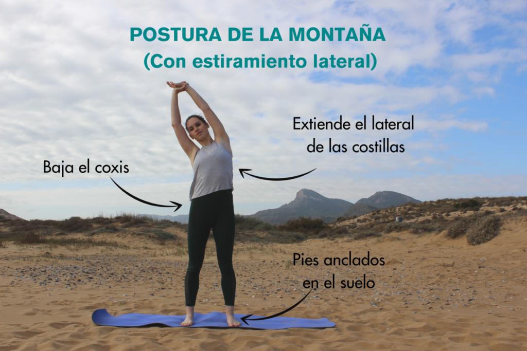 postura de la montaña con estiramiento lateral